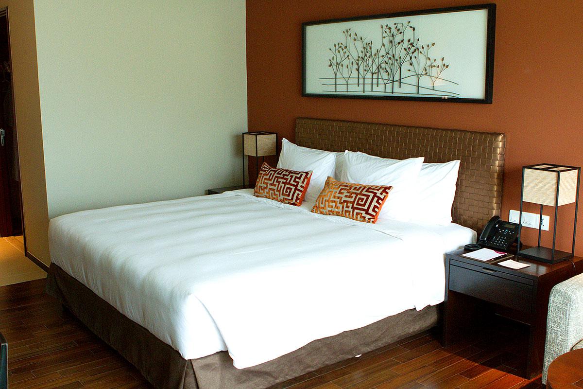Panwa Seaview Suites at Crowne Plaza® Phuket Panwa Beach